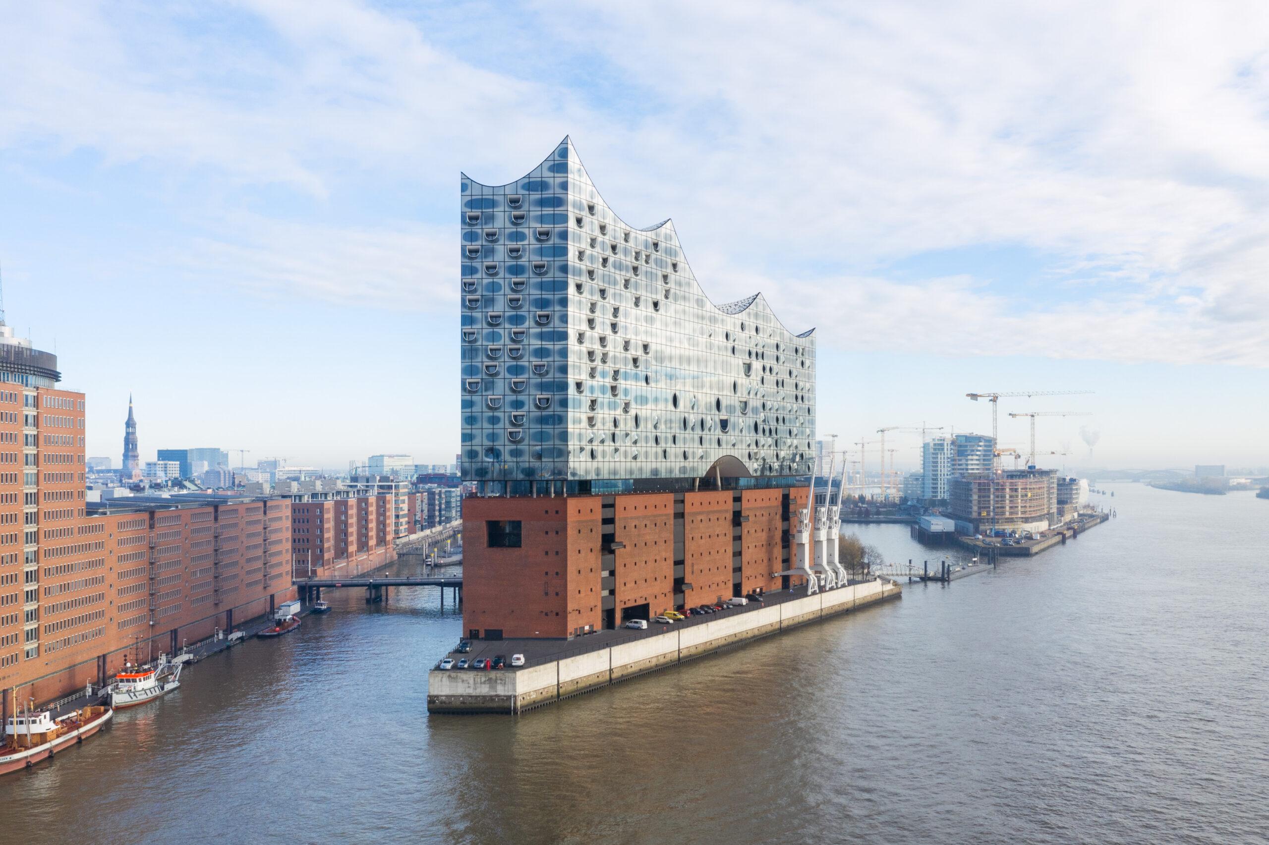 Elbphilharmonie Hamburg Drohne WEB-2